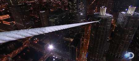 1579354014 robeka.ir عکس های نفس گیر از راه رفتن روی طناب