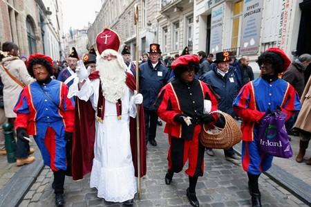 1608249064 robeka.ir آداب و رسوم جالب و عجیب کریسمس در کشورهای مختلف جهان
