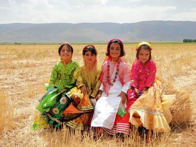 1608440818 robeka.ir آشنایی با لباس محلی مردان و زنان شیراز