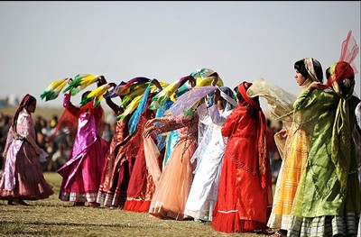 1608440820 robeka.ir آشنایی با لباس محلی مردان و زنان شیراز