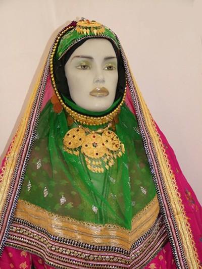 1608440823 robeka.ir آشنایی با لباس محلی مردان و زنان شیراز