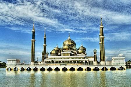 1609355571 robeka.ir مسجد کریستال، شاهکار هنری و معماری در مالزی
