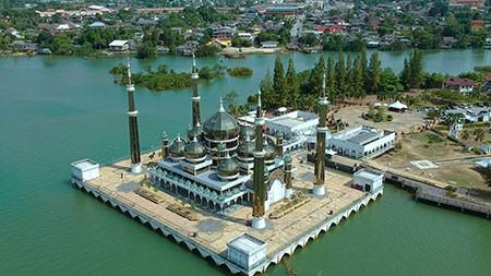 1609355573 robeka.ir مسجد کریستال، شاهکار هنری و معماری در مالزی