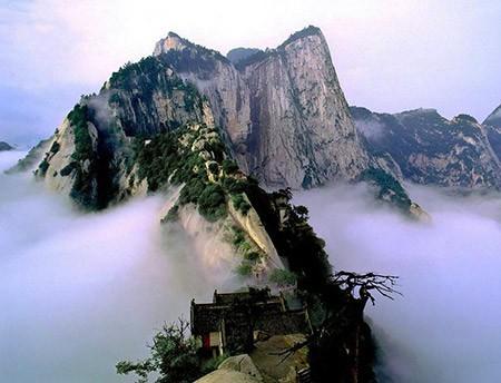 1609448815 robeka.ir کوه هوآشان، یکی از خطرناک ترین مناطق کوهستانی دنیا