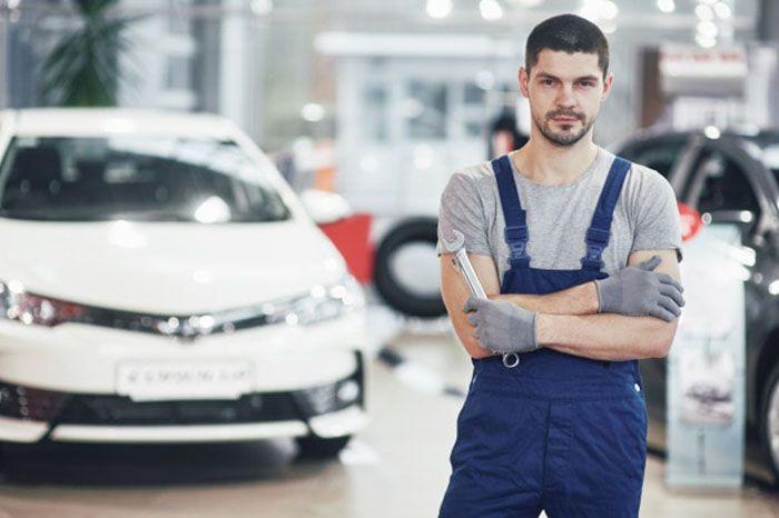 1622459147 robeka.ir برق خودرو یا مکانیک خودرو کدام برای ورود به بازار کار بهتر است؟