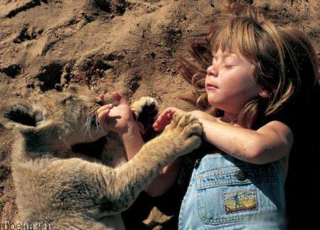 20175323230712613a عکسهای عاشقانه از رابطه انسان با حیوانات