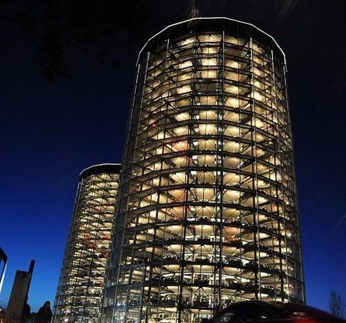 مجللترین پارکینکهای طبقاتی 8 عکس هایی از مجللترین پارکینکهای طبقاتی