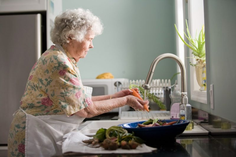 56679778875677785667786cbgfggryrtjfyj 800x533 روش کامل تمیزکاری و نظافت منزل
