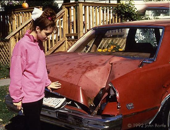 97 03 20enew912 شهاب سنگی که با یک خودرو برخورد کرد (عکس)