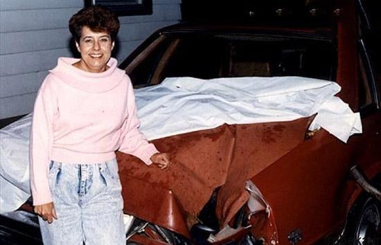 97 03 20enew913 شهاب سنگی که با یک خودرو برخورد کرد (عکس)