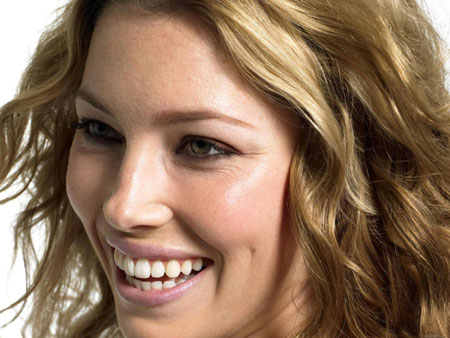 attractive smile makeup 6 چگونه با آرایش لبخند جذاب داشته باشیم؟