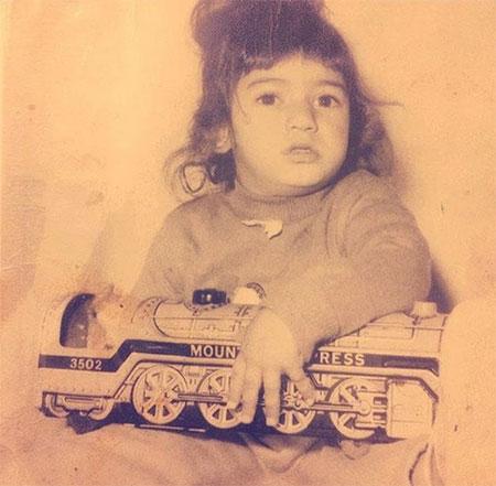 biography nader soleimani24636 بیوگرافی نادر سلیمانی + عکس  نادر سلیمانی و خانواده اش