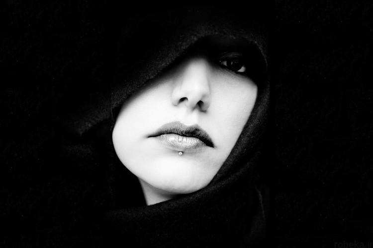 black profile pictures 3 عکس نوشته پروفایل مشکی و سیاه و سفید غمگین دخترونه و پسرونه