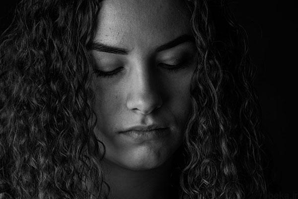 black white artistic portraits photos 15 عکس پرتره سیاه و سفید هنری از چهره های دخترانه و مردانه