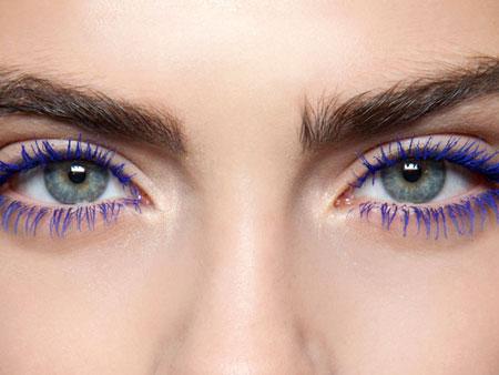 colored mascara use 6 ریمل رنگی چیست و چگونه استفاده می شود؟