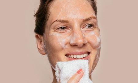 %name روشهای پاکسازی پوست خشک در منزل