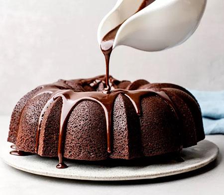 %name طرز تهیه شکلات روی کیک برای تزیین کیک