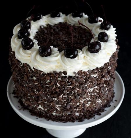 طرز تهیه ترایفل جنگل سیاه, کیک جنگلی سیاه, کیک جنگل سیاه آلمان
