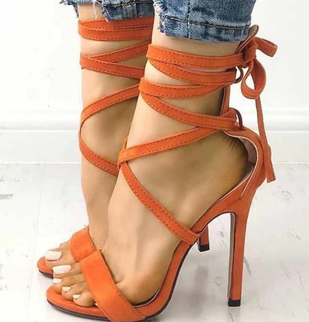 high1 heeled shoes2 روش های ست کردن کفش های پاشنه بلند رنگی