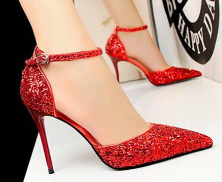 high1 heeled shoes4 روش های ست کردن کفش های پاشنه بلند رنگی