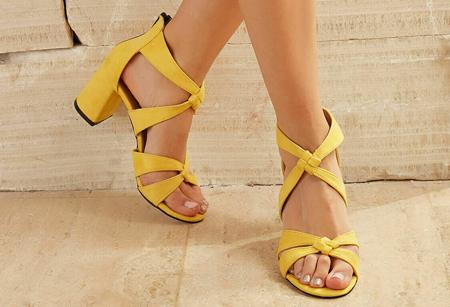 high1 heeled shoes5 روش های ست کردن کفش های پاشنه بلند رنگی