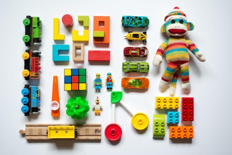 jcnncnnkjdfchfjhcggsftdgeeuxdeape09t857647d9uewjdxijok 800x534 چگونه اسباب بازی مناسب سن فرزند خود را انتخاب کنیم؟