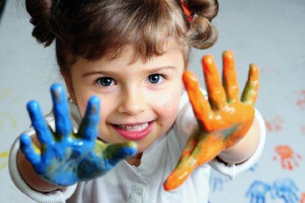 lfcmlfnji4ty43989tnuc489rny4278ryb248rby248iru4orjo42rkl برنامه روزانه کودک سه ساله میتواند شامل چه مواردی باشد؟