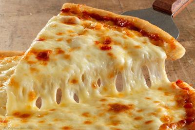 make2 cheese pizza1 طرز تهیه پیتزا پنیر