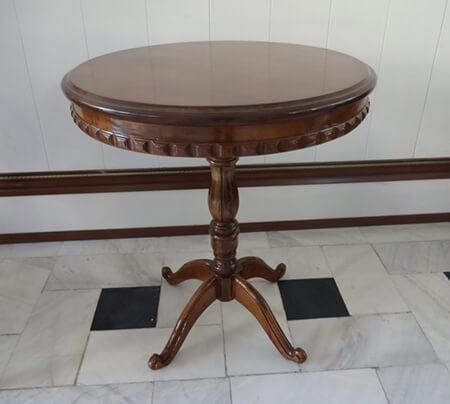 میزهای خاطره برنزه, میز خاطره چوبی