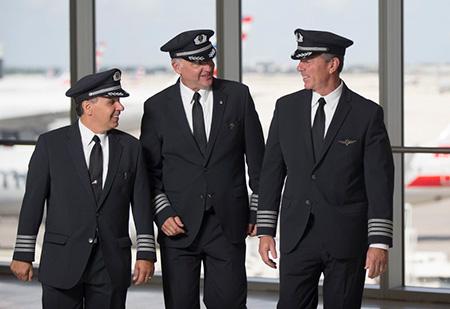 ویژگی لباس های خلبانی,جنس لباس های خلبانی