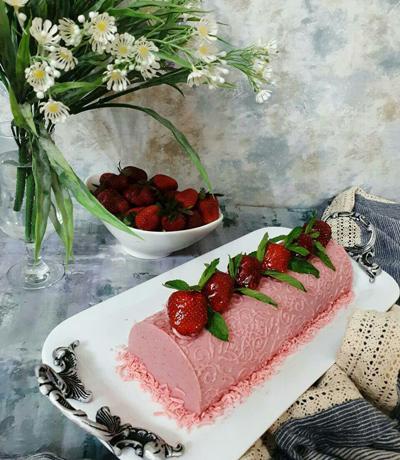 strawberry2 cream2 طرز تهیه کرم توت فرنگی
