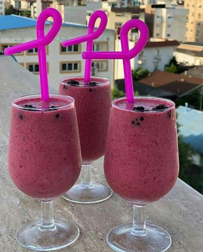 strawberry2 raspberry2 smoothie اسموتی توت فرنگی و تمشک