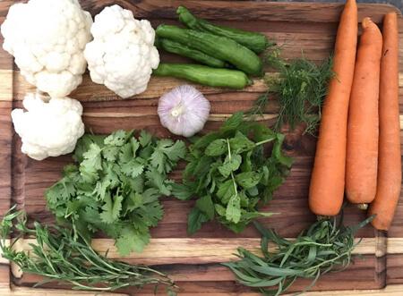 انواع سبزی ترشی, سبزی ترشی چیست, سبزی های معطر ترشی